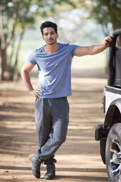 Harshvardhan Rane Height, Weight, Age, Wife, Affairs & More - StarsUnfolded