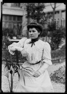 Catalunya 1900, dona