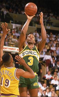 Dale Ellis could shoot 3's like they were free throws!