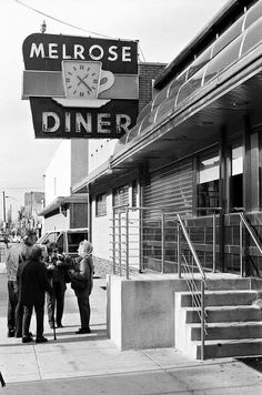 Melrose Diner - I want to go here too if it still stand and get a photo on those steps. Meaning 500 photos hoping for light and one great picture. Philadelphia History, Historic Philadelphia, Old Images, Old Pictures, Melrose Diner, Delaware Valley, Philly Style, Vintage Diner, South Philly