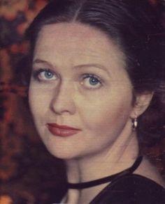 ПОД ПЛАЩОМ МЕЛЬПОМЕНЫ Наталья  Гундарева  (1948  -  2005).