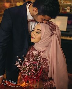 Hijabi Wedding, Muslim Wedding Dresses, Muslim Brides, Muslim Dress, Muslim Women, Formal Dresses, Muslim Couple Photography, Bridal Photography, Maternity Photography