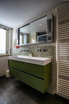 Showroom, Bathroom Lighting, Rvs, Mirror, Bathrooms, Furniture, Home Decor, Bathroom Light Fittings, Bathroom Vanity Lighting