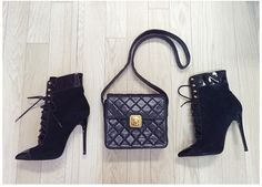 Lovely Classic black vintage Chanel bag and high heel!