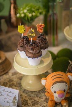 Tema de festa: Ursinho Pooh - Crescer | Temas - detalhe para os teoppers dos cupcakes