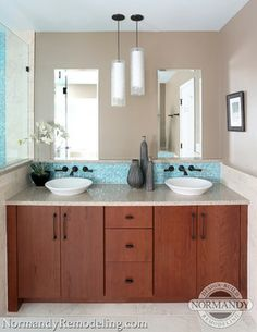 Whether you like it or not, the bathroom is a place that guests are almost always guaranteed to see during the holidays. Make sure yours is up to par with these quick bathroom updates. Patio Interior, Bathroom Interior, Bathroom Ideas, Bathroom Colors, Bath Ideas, Shower Ideas, Bathroom Light Fixtures, Bathroom Lighting, Bedroom Vanity With Lights