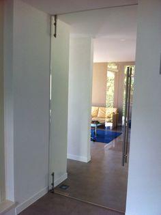 Dorma Tensor glazen deur draaideur. Door Glass4life geleverd en gemonteerd bij een klant in Oss!