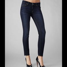 Paige Skinny Jeans Used twice before it got to small. Lightweight material. Paige Jeans Jeans Skinny