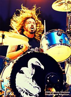Dave Grohl - Them Crooked Vultures/ Foo Fighters / Nirvana Foo Fighters Nirvana, Foo Fighters Dave Grohl, Power Metal, Rock N Roll, There Goes My Hero, The Sky Tonight, Tenacious D, Jazz, Drummer Boy