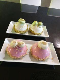 Mini Cakes, Flower Arrangements, Party, Food, Tailgate Desserts, Floral Arrangements, Essen, Parties, Meals