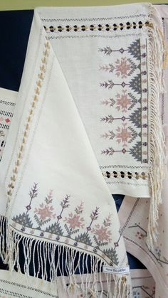 Embroidery Fabric, Hand Embroidery Designs, Embroidery Ideas, Counted Cross Stitch Patterns, Cross Stitch Embroidery, Palestinian Embroidery, Clothes Crafts, Bargello, Modern Cross Stitch