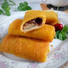 Resep risoles enak dan simpel istimewa Hot Dog Buns, Hot Dogs, Idli Recipe, Food And Drink, Bread, Snacks, Cooking, Recipes, Dan