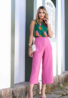 Looks Style, My Style, Look Rose, Pink Pants, Colourful Outfits, Office Outfits, Classy Outfits, Work Wear, Fashion Looks