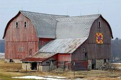 Great big barn - normally love barn quilts - but not on this beauty of a barn.