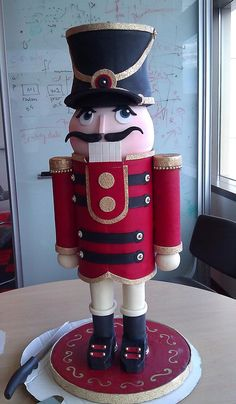 Nutcracker Cake!  I would love this!