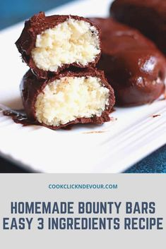 coconut chocolate bars (vegan Bounty bars) are the perfect dessert if you love coconut and chocolate. Only 7 ingredients and no oven required. This no-bake recipe is vegan, gluten-free, easy to make and can be made refined sugar-free, and keto-friendly. Köstliche Desserts, Sweets Recipes, Candy Recipes, Baking Recipes, Delicious Desserts, Homemade Chocolate, Chocolate Recipes, Coconut Chocolate Candy Recipe, Bounty Chocolate