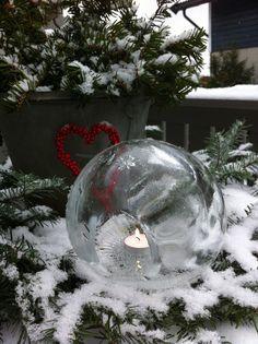 Fru Hansens kreativiteter: Islykt ! Candle Craft, Christmas Bulbs, Candles, Holiday Decor, Crafts, Home Decor, Creative, Manualidades, Decoration Home