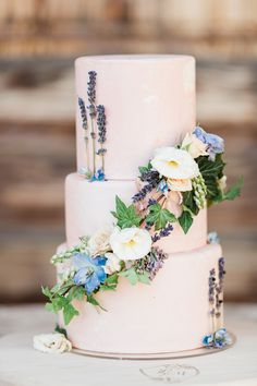 @heatherbengeofficial planned a pastel-filled day at @sunstonewinery brimming with soft, romantic details and we're sharing every moment on SMP! | Photography: @lisetteocphoto #stylemepretty #weddingcake #flowercake #weddingcakeidea Floral Wedding Cakes, Wedding Cake Rustic, Elegant Wedding Cakes, Wedding Cakes With Flowers, Floral Cake, Beautiful Wedding Cakes, Cake Wedding, Perfect Wedding, Wedding Stuff