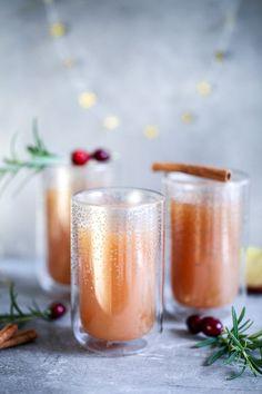 Selbstgemachter Apfelpunsch ohne Alkohol / mulled apple cider recipe / http://Zuckerzimtundliebe.de