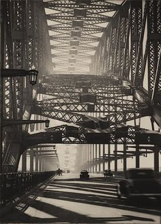 Harold Cazneaux Sydney Bridge, Bridge pattern, Arch of steel, 1934.