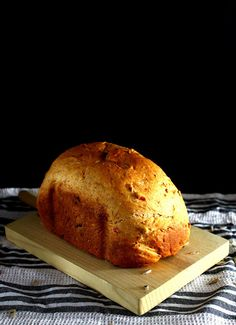 Pan de tomate y pipas de girasol {con panificadora} Pan Relleno, Pan Dulce, Food N, Dried Fruit, Bread Recipes, Banana Bread, Bakery, Ethnic Recipes, Desserts