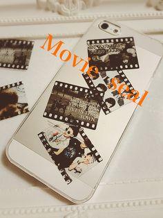 久々にノートを書いてみようと新しいアイデアを♡ 今回はセリアに販売されてるフレークシール(オールドムービー)を加工して自分だけのオリジナルのネガを作っていきます꒰◍౪`◍꒱۶✧˖°まず用意するもの♡ 家庭用プリンター OHPフィルム セリア...