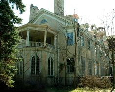 Incredible old mansion, now doomed in Goshen, NY.