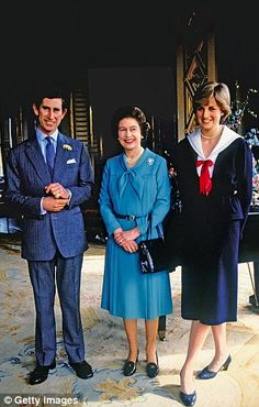 The Queen only her friends know: A never-before-seen look into the private life of Britain's beloved monarch as told by her closest companions | Daily Mail Online