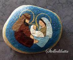 Resultado de imagen para nacimientos en piedra Stone Crafts, Rock Crafts, Xmas Crafts, Nativity Painting, Tole Painting, Pebble Painting, Pebble Art, Christmas Rock, Creation Deco