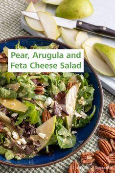 Feta Cheese Recipes, Arugula Salad Recipes, Cheese Salad, Pear Recipes, Yummy Recipes, Yummy Food, Brunch Ideas, Dinner Ideas, Salads