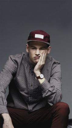 Patterned Shirt + Maroon Hat = casual, cool young men's style