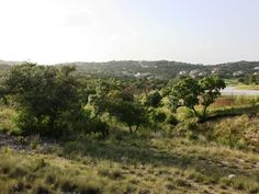 Beautiful site to create your dream home with views of the Hill Country and VERY near golf, lake activities and exemplary schools.   Austin Real Estate 78738 - 5296247 -