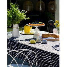 Palko design tablecloth: 145cm ×245cm, 50% cotton, 50% linen; 105,00€ | Aarikka
