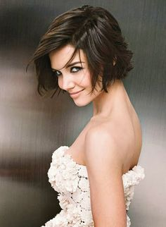 short hairstyles for thick hair & round face -