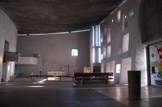 Le Corbusier, Notre Dame de Haut, Ronchamps, France.