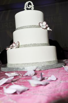 Deirdra & Johnny | Cake by Creative Cakes | Photo by VOE Photography