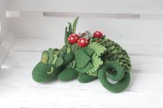 Felt Dragons By Russian Artist Alena Bobrova What do Game of Thrones, How To Train Your Dragon, and Alena Bobrova have in common? If you guessed dragons, you are right. Alena Bobrova is a Russian artist Felt Dragon, Clay Dragon, Dragon Age, Needle Felted Animals, Felt Animals, Needle Felting, Iphone App, Dragon Nursery, Felt Gifts