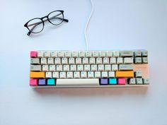 Modern Beige Keycaps, Magicforce 68 keyboard, Cherry MX Blue switches