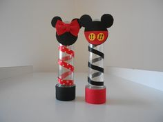 Lembrancinha Tubete Minnie e Mickey <br> <br>Prazo para fabricação : 07 dias úteis <br>Prazo para entrega : dia de postagem + prazo estimado pelos correios Fiesta Mickey Mouse, Minnie Mouse Theme, Mickey Mouse Parties, Baby Mickey, Mickey Party, Mickey Mouse Clubhouse Birthday Party, Dinosaur Birthday Party, Mickey Mouse Birthday, Mickey Mouse Decorations