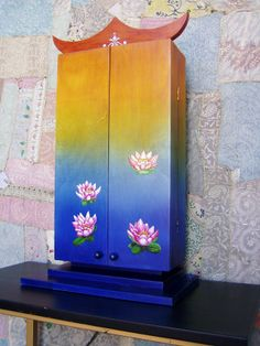 Lotus Buddhist Practices, Buddhist Teachings, Pooja Rooms, Nature Center, Painted Furniture, Lotus, Diy And Crafts, Meditation, Creative