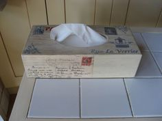 Caja de pañuelos vintage