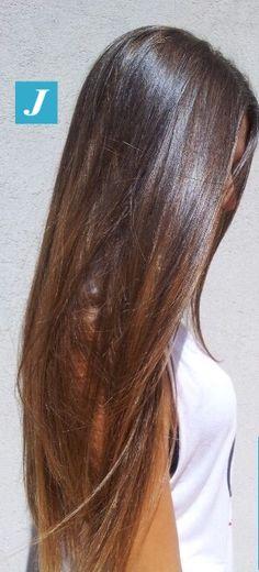 Ami i capelli lunghi e sani? Prova il Degradé Joelle! #cdj #degradejoelle #tagliopuntearia #degradé #igers #naturalshades #hair #hairstyle #haircolour #haircut #longhair #ootd #hairfashion