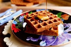 Waffles by the Pioneer Woman. Anyway, next time you have a hankering for waffles, fire up the waffle iron and give these beautiful babies a try. The Pioneer Woman, Pioneer Woman Recipes, Pioneer Women, Pioneer Woman Waffle Recipe, Lasagne Roll Ups, Ree Drummond, Bon Ap, Waffle Iron, Waffle Recipes