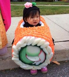 Sushi Halloween Costume, Sibling Halloween Costumes, Homemade Halloween Costumes, Halloween Kids, Baby Sushi Costume, Halloween Party, Beetlejuice Halloween, Toddler Costumes, Halloween Games