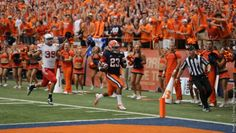 Prince-Tyson Gulley scores a touchdown against Stony Brook Syracuse Football, College Football, Team Player, Stony Brook, Scores, Prince, Places, Lugares