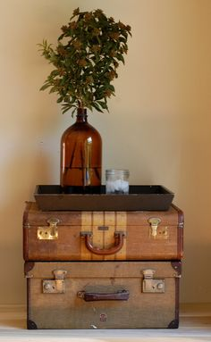 use of vintage suitcases in decoration Vintage Suitcases, Vintage Luggage, Vintage Suitcase Decor, Vintage Travel Decor, Suitcase Storage, Suitcase Display, Suitcase Table, Vintage Trunks, Vintage Room