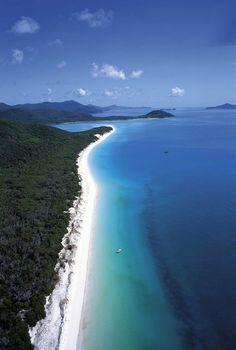 World-Famous, Whitehaven Beach on Whitsunday Island, North Queensland, Australia