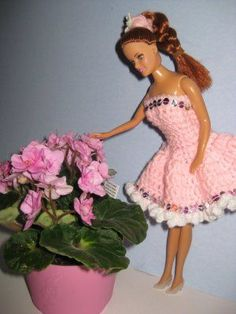 Crochet pattern for Pretty in Sparkling Pink Barbie Doll Dress: made with 4-ply yarns, and sequin embellishment.