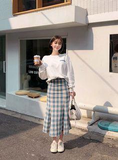 Korean Girl Fashion, Korean Fashion Trends, Ulzzang Fashion, Korean Street Fashion, Korea Fashion, Muslim Fashion, Asian Fashion, Modest Fashion, Look Fashion