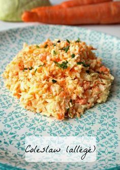 Aujourd'hui recette de salade américaine, le coleslaw! A base de chou blanc et de carottes, avec une sauce crémeuse allégée